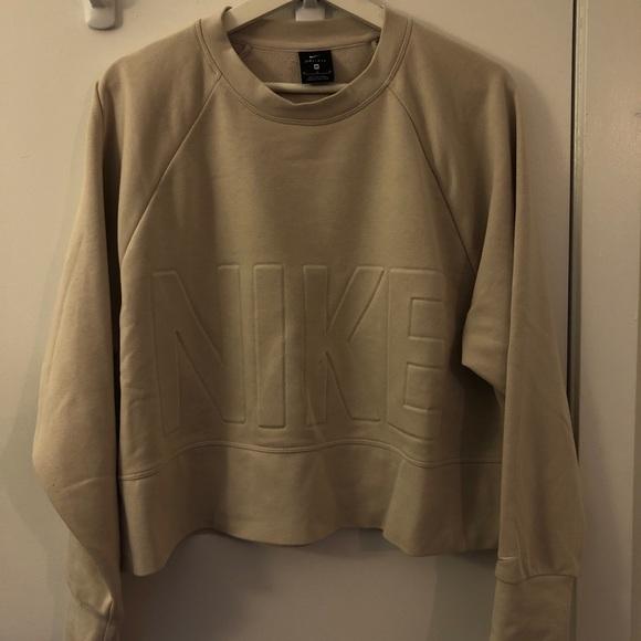 Cropped Nike sweater